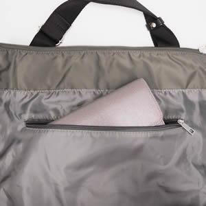 内側のファスナーポケット